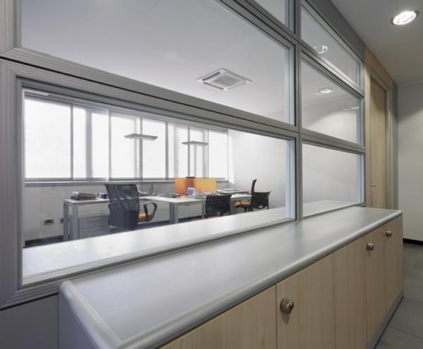 Progettazione e realizzazione arredi per ufficio fenice for Arredo ufficio tecnico