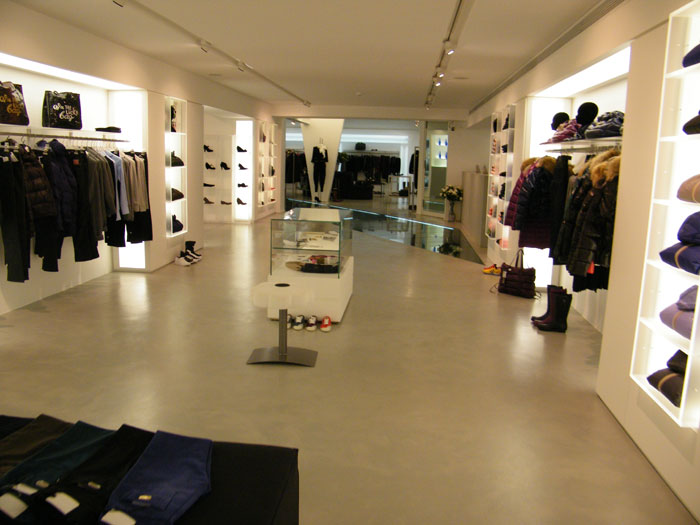 Arredamento per negozi e supermercati al ticino sas for Arredamento negozi