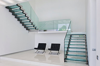 Da tortoreto a tbilisi il passo non breve cristallino - Scale in vetro e acciaio prezzi ...