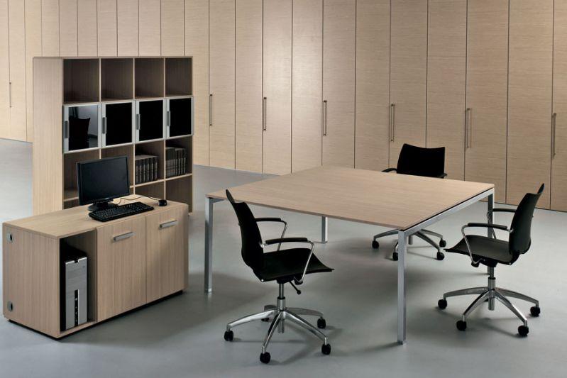 Progettazione e produzione mobili ufficio e arredamento per negozi in formule contract ...