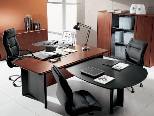 Progettazione e produzione mobili ufficio e arredamento for Mobili per arredo ufficio