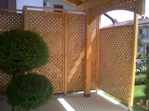 Pergola con tenda scorrevole in legno ferro - Quale legno per esterni ...