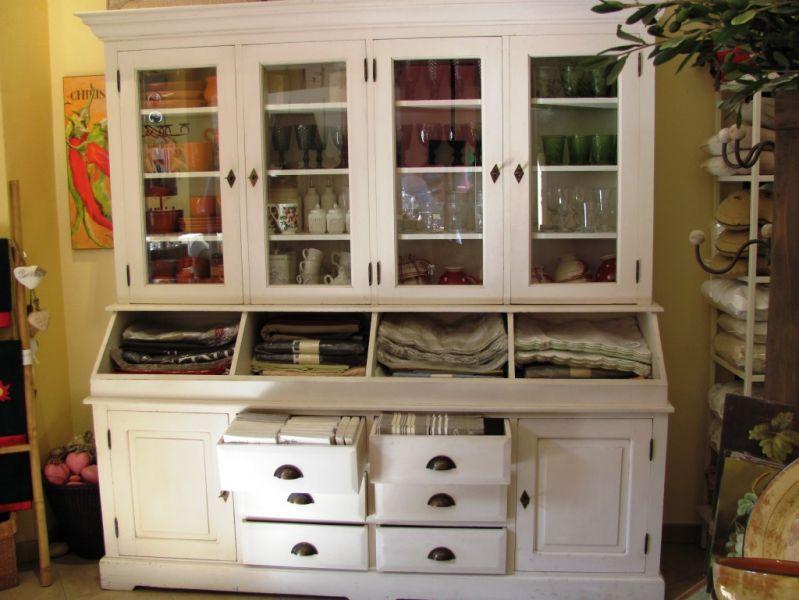 Arredare in stile provenzale - Stile provenzale mobili ...