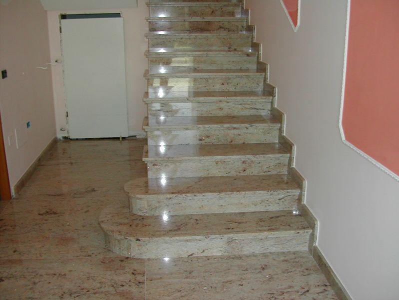 Scale in marmo per interni with scale in marmo per - Granito per scale ...